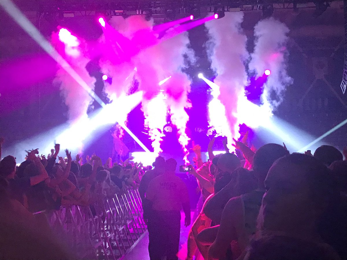 Thanks for coming to UNH @wearegalantis you guys were awesome!