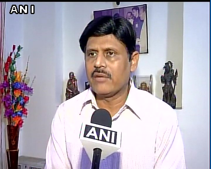 1 engine and 4 coaches were derailed. No injuries or casualties reported: Anil Saxena, Railways on Aurangabad-Hyderabad passenger train derailed