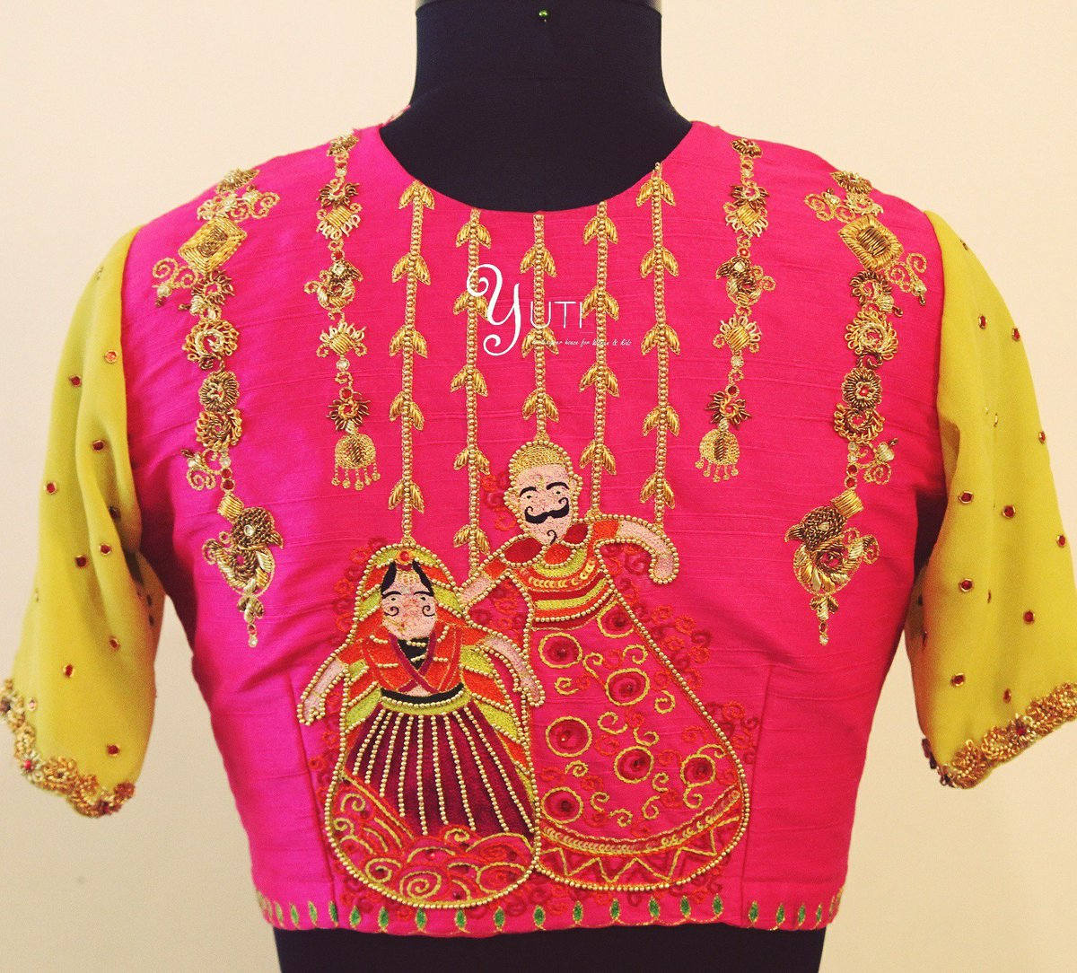 The Dancing Puppets by YUTI!