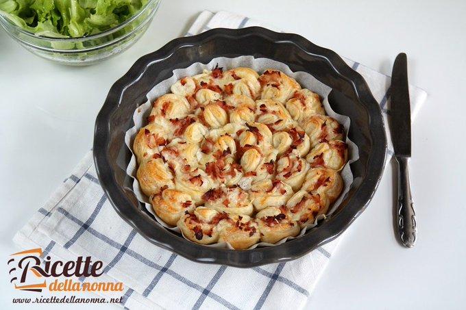 Torta rustica semplice e veloce al prosciutto e formaggio