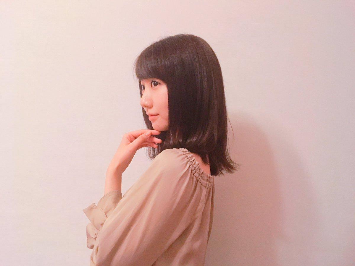 思い立って髪切った! ミディアム?かな?おきにいり♡ LOVEST青山店の吉岡さん。 ありがとうござ…