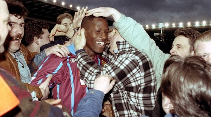 Ugo Ehiogu tributes: Football reacts in shock to former Premier League star&#39;s death at 44  http://www. itv.com/news/2017-04-2 1/ugo-ehiogu-tributes-football-reacts-in-shock-to-former-premier-league-stars-death-at-44/ &nbsp; …  #ugoehiogu #Ugo <br>http://pic.twitter.com/rydyBB40Bf