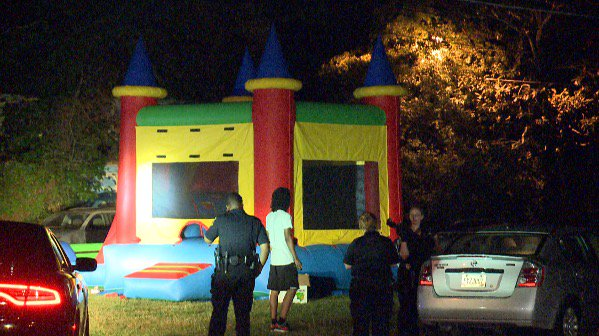 2 children, 1 adult shot at birthday party. Hear from the grandmother of injured 3yo this morning on #AtlantaAlive <br>http://pic.twitter.com/PiLIsXprSA