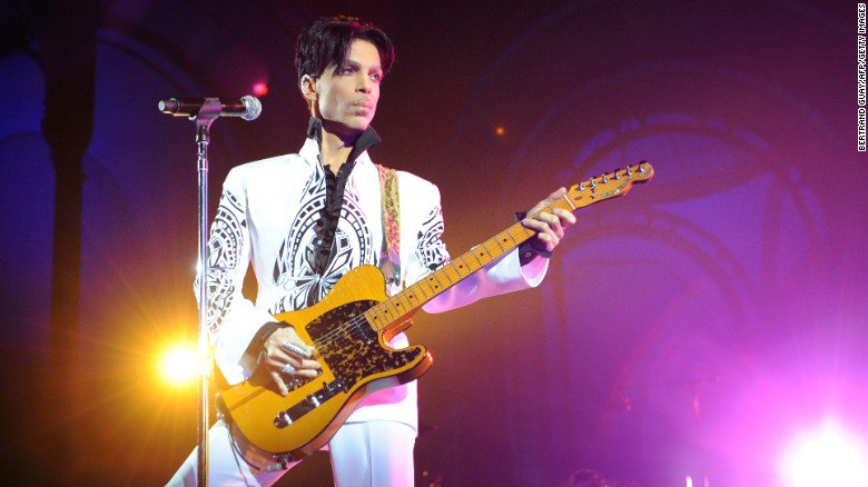 Today marks the one year anniversary of the death of Prince https://t.co/Olf73kIHPT