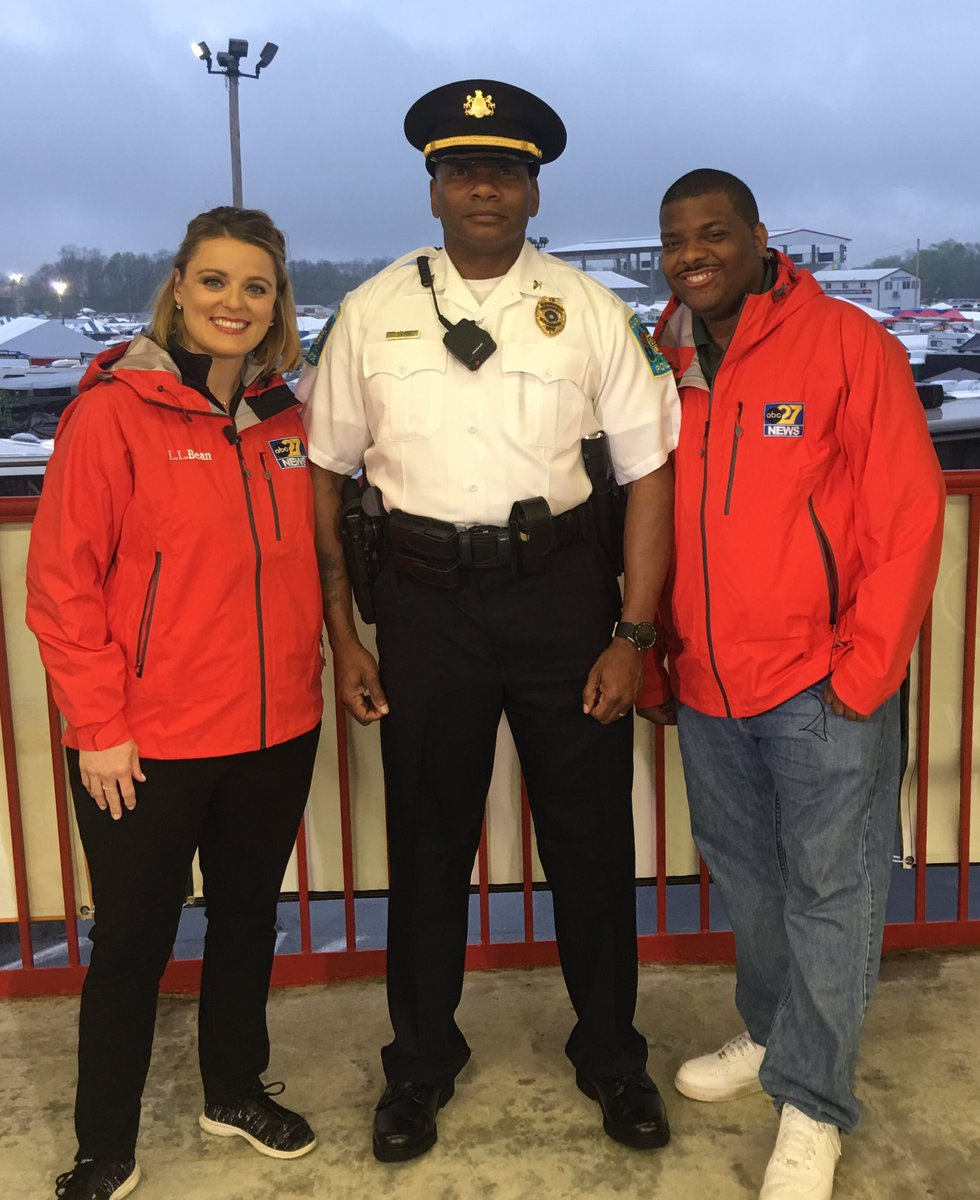 Wonderful getting to know Carlisle&#39;s new police chief - Taro Landis! #27Daybreak #TownTakeover <br>http://pic.twitter.com/K3E5MLBiua