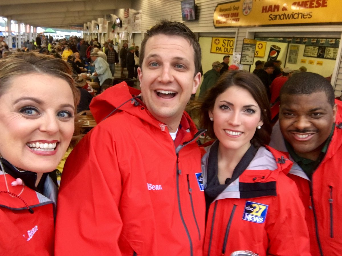 And it&#39;s a wrap, Carlisle! Thanks to @CarlisleEvents for being great hosts! Next stop -- @VisitLancCity! #27Daybreak #TownTakeover <br>http://pic.twitter.com/W4eR3bY1ho