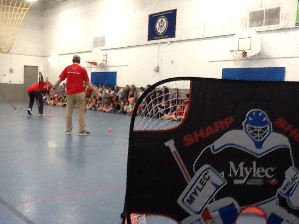 Washington Capitals visiting 2nd grade PE today! <a target='_blank' href='http://twitter.com/APS_HankHenry'>@APS_HankHenry</a> <a target='_blank' href='http://twitter.com/APSHenryPAL'>@APSHenryPAL</a> <a target='_blank' href='https://t.co/c7UXOqHtnq'>https://t.co/c7UXOqHtnq</a>