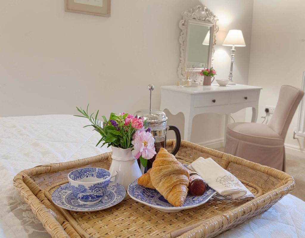 Supporting #nationalteaday (+ coffee)@LintonCourt #LuxuryTravel #Settle