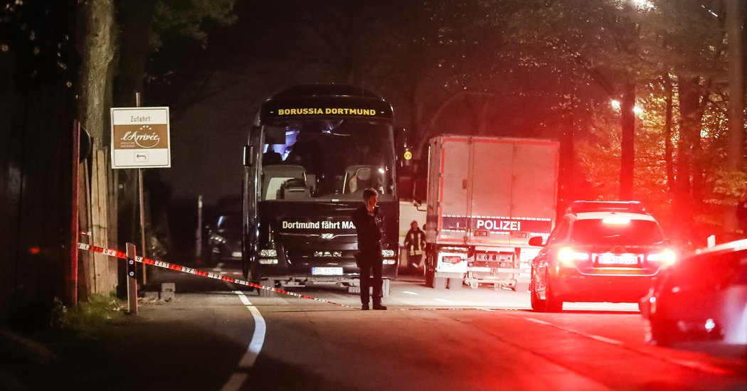 Bombing of #Borussia #Dortmund Bus Targeted Club's Stock, #Prosecutors Say  http:// dlvr.it/NxnWtf  &nbsp;  <br>http://pic.twitter.com/EORHi1yy1G