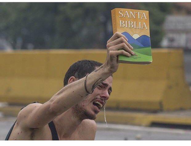 #21Abr 'Un perdigón se cura, pero él hambre no' gritó este Venezolano...