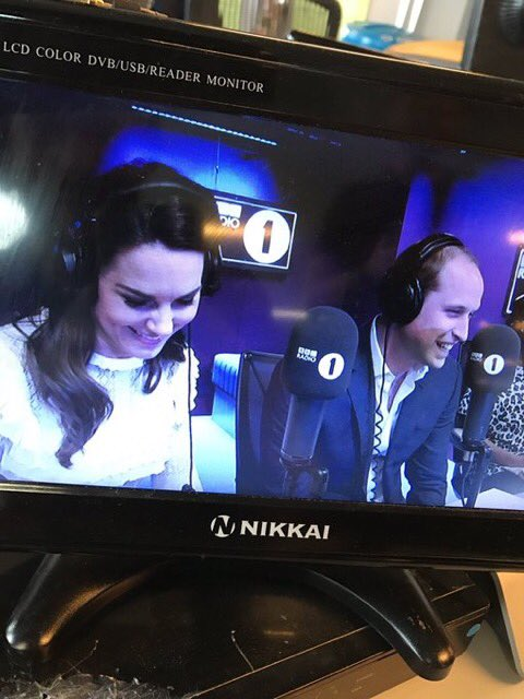 RT @vicderbyshire: How natural/normal were William and Kate on @BBCR1 https://t.co/zXejV7p5DY