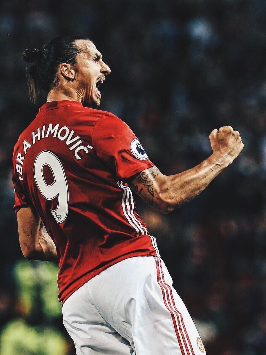 If that really is an ACL injury then #Zlatan has probably played his last game for #MUFC sadly. It&#39;s been a pleasure to see him at United <br>http://pic.twitter.com/PImTxcW0FS