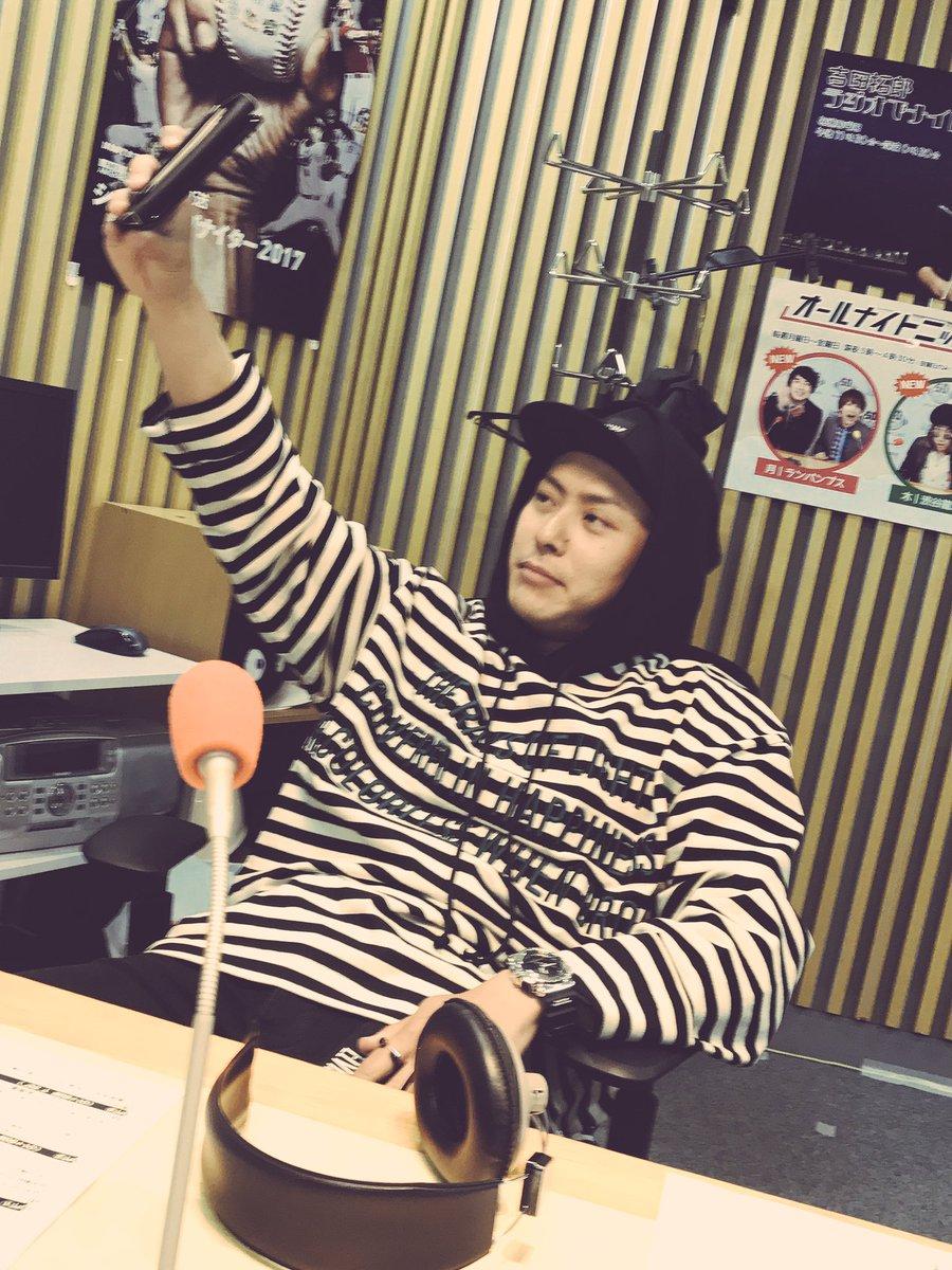 インスタライブをやっている健二郎くんを撮りました!山下健二郎のオールナイトニッポンはこの後、深夜1時から! #ykann