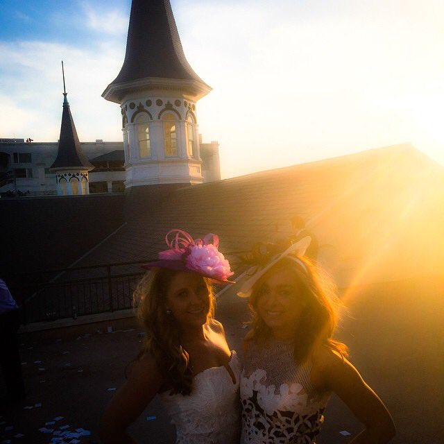 #FlashbackFriday with all the Derby feels.  ❤️🏇🌹 #kyderby #louisvillel...