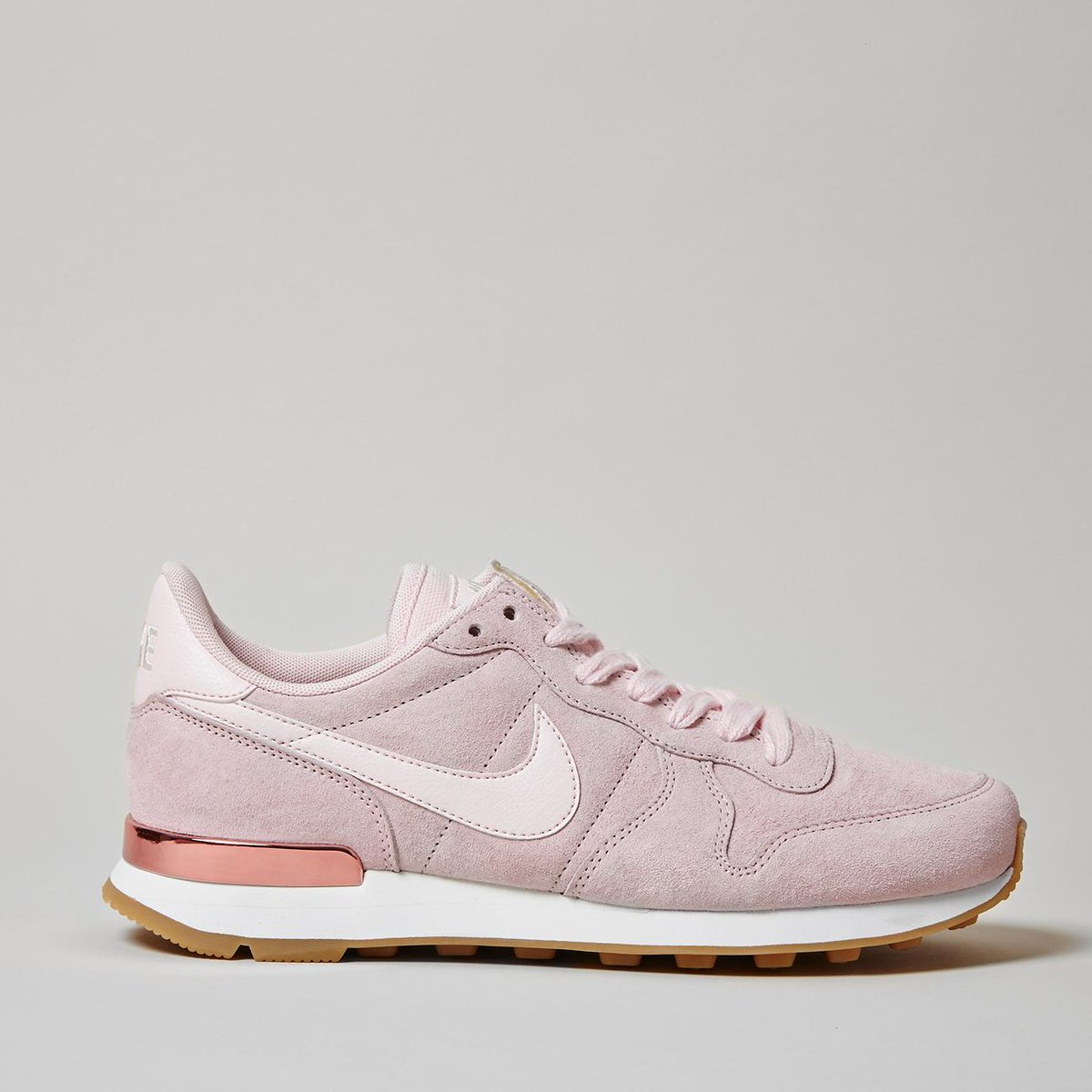 quality design d3e1c f4eee launching today nike internationalist in exclusive prism pink nike ownit2017