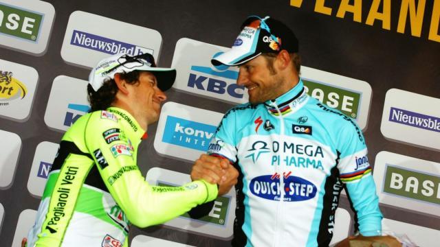 À 4 jours du départ du #Tour de #Bretagne, une 25e #équipe s'invite à la #course !   Découvrez-la >>  http:// ow.ly/Qekc30b3rUs    pic.twitter.com/7gEMLKU6CJ