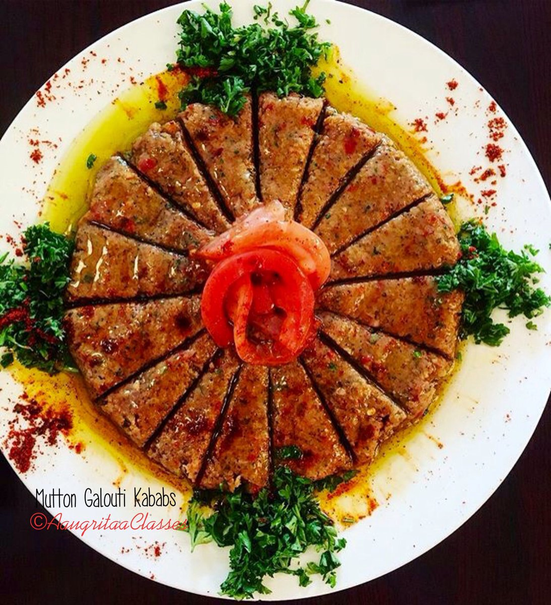 When you do plating of #GaloutiKababs in a different way it looks more beautiful #Foodie #Kabab #Aaugritaa #Classes #Yummy #Presentation  <br>http://pic.twitter.com/faE0FADNLT