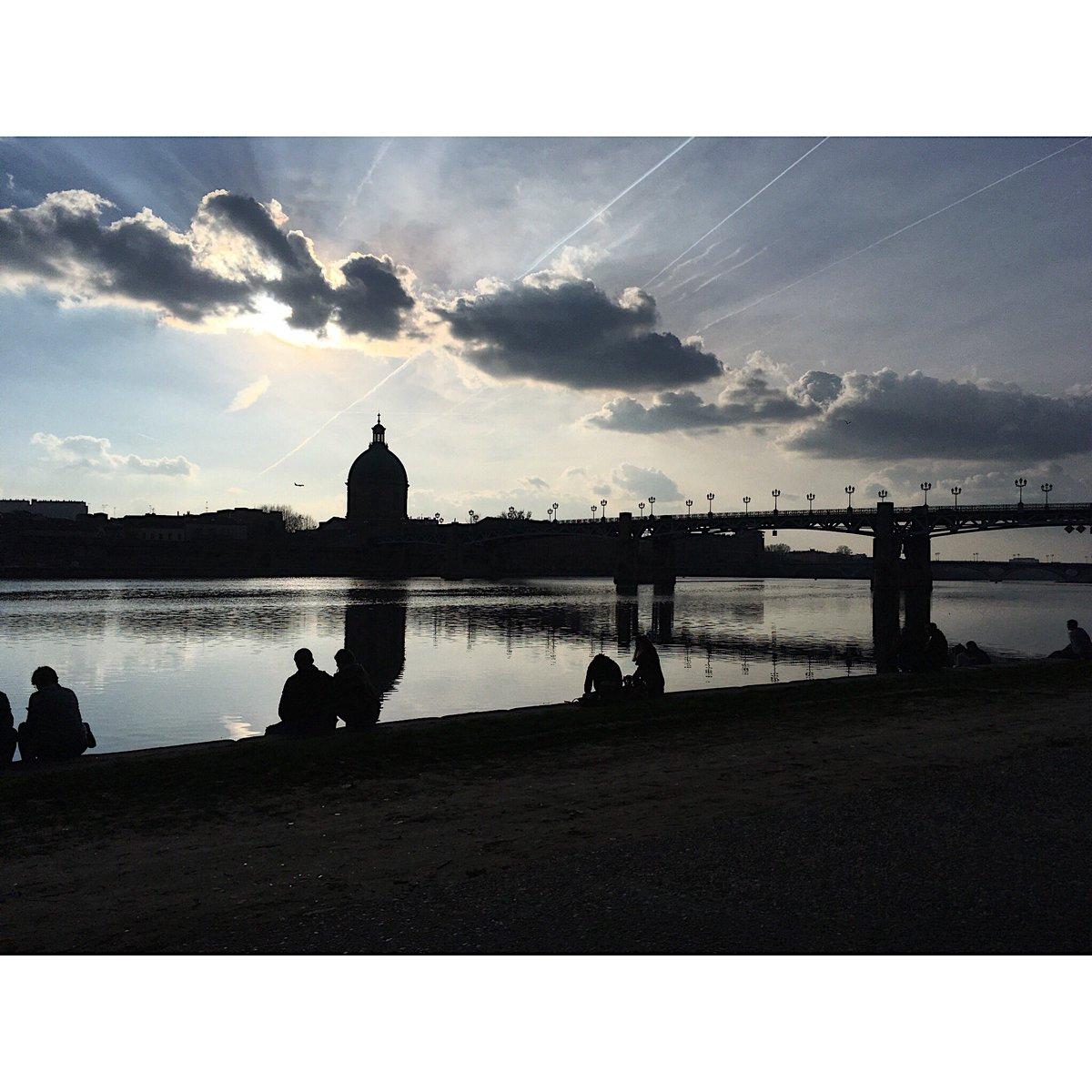 Sky art  #BattleCiel #Toulouse<br>http://pic.twitter.com/DsHCn4G6i4