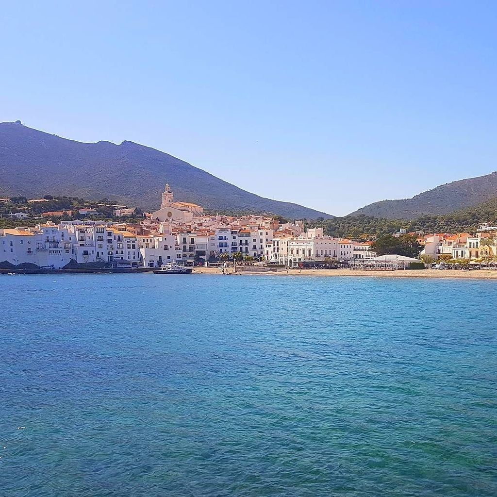 Sandwiched between the blue sky and the blue sea #Cadaques is heaven on Earth #InCostaBrava. #Travel https://t.co/4rP6ciqTRc https://t.co/HuntkkVxCp