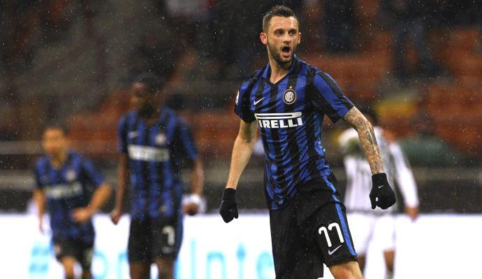 #Inter: #ManchesterUnited are ready to make a mega offer for a Croatian midfielder   http:// bit.ly/2pNttSD  &nbsp;  <br>http://pic.twitter.com/TkE4OMGWL6
