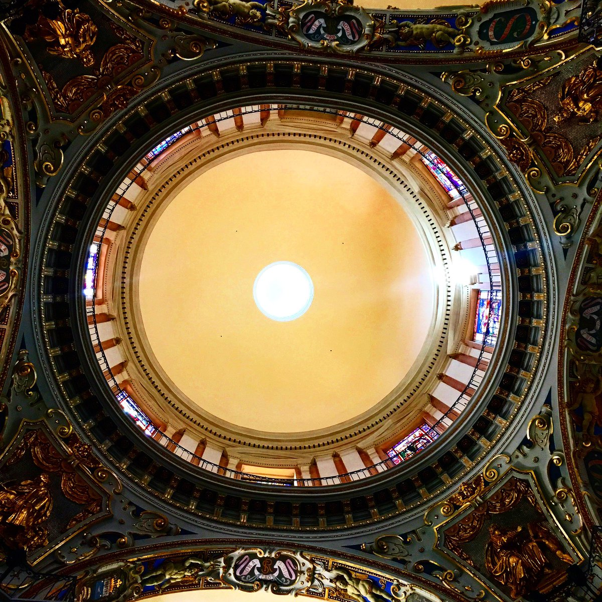Always look UP #Nice06 #france #travel #Tourism #cotedazur #Cotedazurfrance #church #architecture #love #beautiful #holiday #amazing<br>http://pic.twitter.com/NFTHvlO0Ji