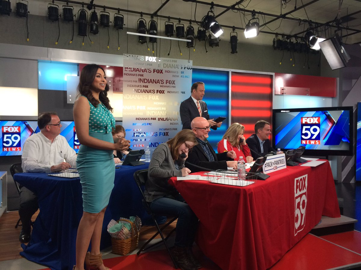 Excited to be at the #PackThePantries Phone Bank at @FOX59 raising money for @MFBIndy &amp; @GleanersFBIndy. Call 317-493-2300 to donate!<br>http://pic.twitter.com/ea9eiYSuMo