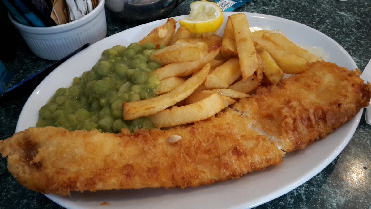 Can't go to Looe  and not have fish & chips! #ilovelooe #cornwall #lovecornwall  #fishandchips #FishFriday