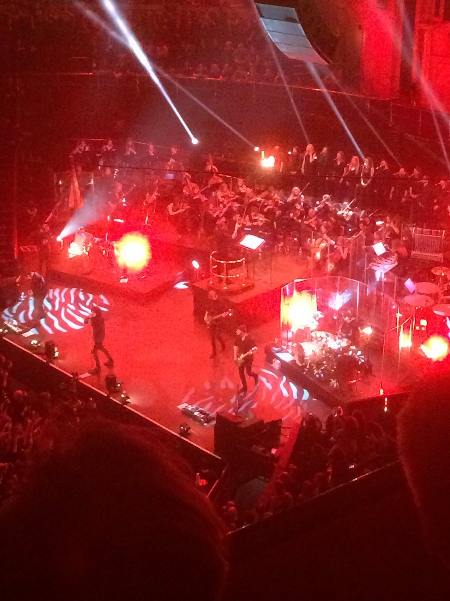 How is it a whole year since we saw @bmthofficial at @RoyalAlbertHall?! @StarCash1 #FlashbackFriday <br>http://pic.twitter.com/vFZtjdgvxe