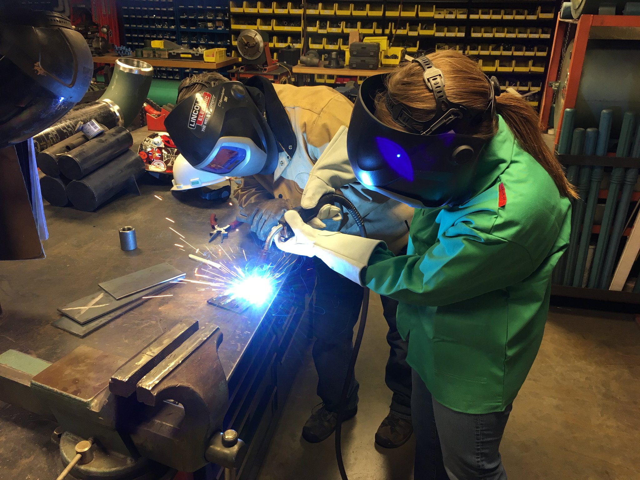 Bonus of outreach collaboration with Abbott Power Plant: learning to weld. https://t.co/6dzdl1Xqnj