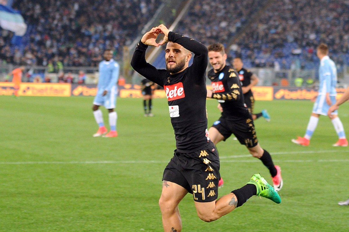 El Nápoles tumba a la Lazio (0-3) en la pelea por la zona Champions