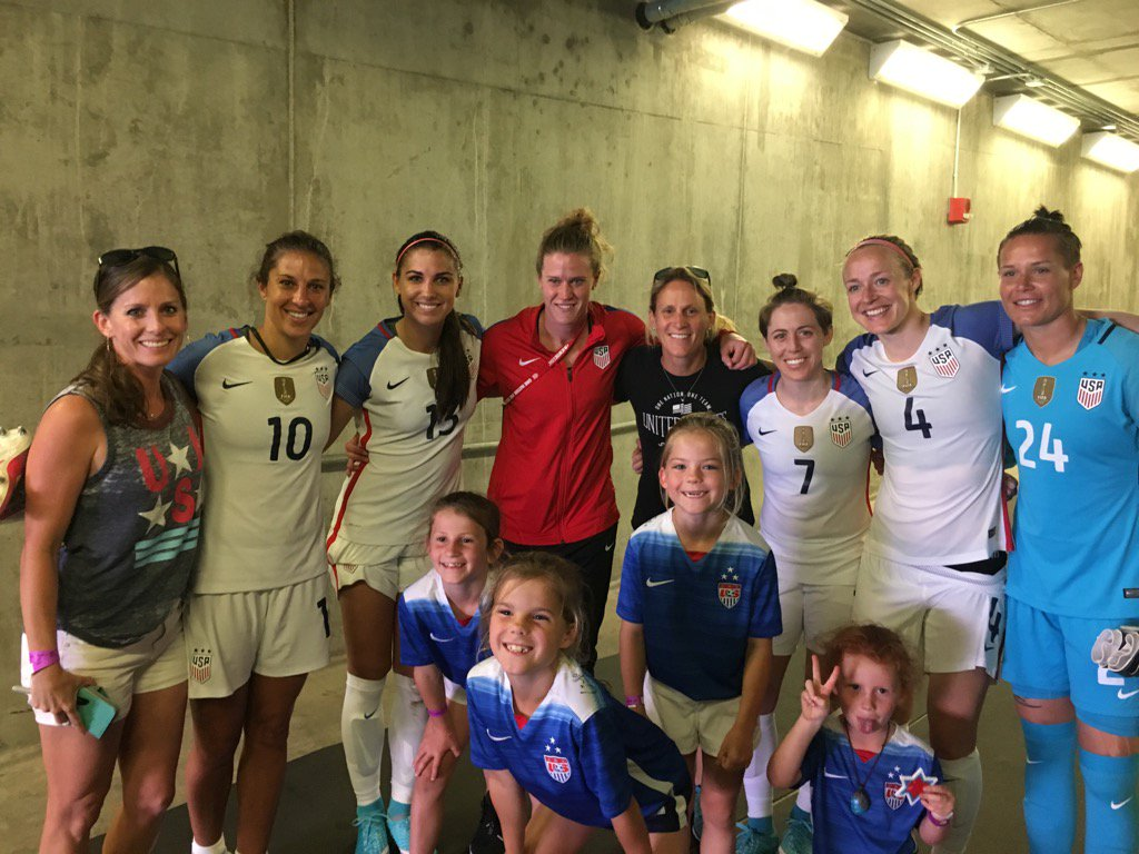 Great seeing some of the players after the game today! Thank u!@ussoccer_wnt @alexmorgan13 @CarliLloyd @AlyssaNaeher https://t.co/St5deE99BN