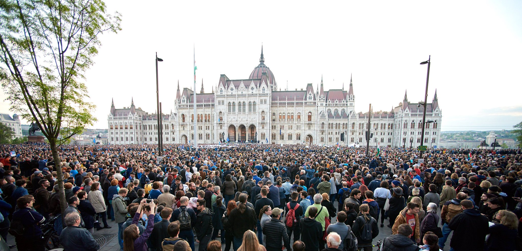 CEU is touched by the support shown in Budapest. Thank you all that marched for academic freedom. #istandwithCEU https://t.co/bEeMoz0fsg https://t.co/zTDR9sQD7L
