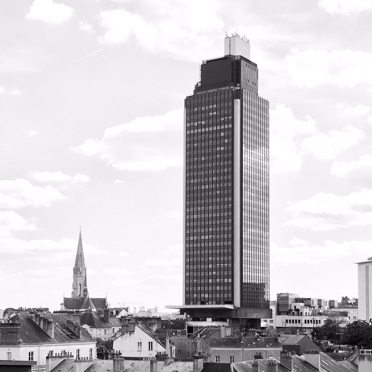 #nantes #architecture #niceview #tourbretagne pic.twitter.com/xRWwDHH1zc