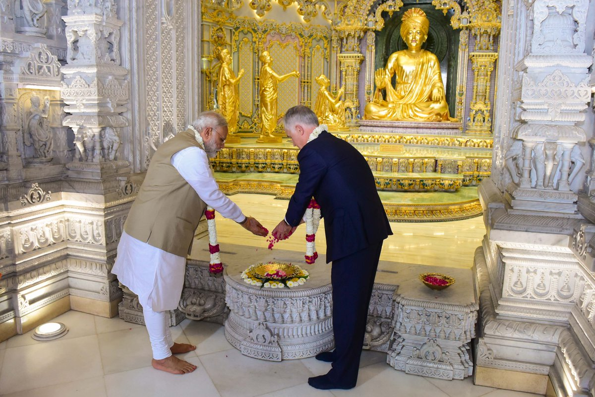 Here are another set of pictures from the Akshardham Temple visit.
