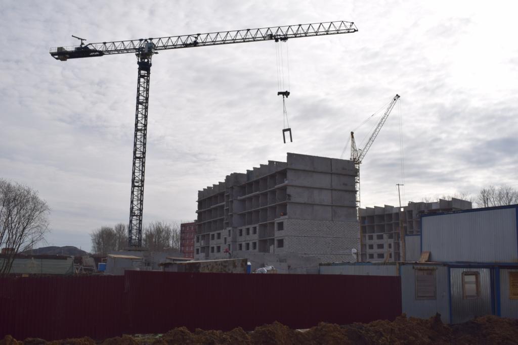 Растут этажи в новом микрорайоне