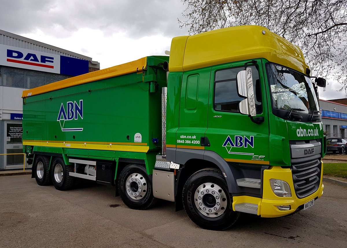 Daf Trucks Uk On Twitter Tom From Wesdaf Is Making The 100 Mile Journey Taunton To Enstone Delivering This Cf 8x4 Animal Feed