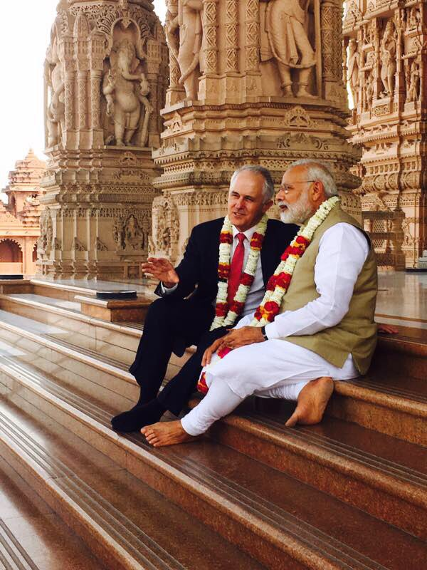 Having a quiet chat with @narendramodi on the steps of the amazing Akshardham Temple today