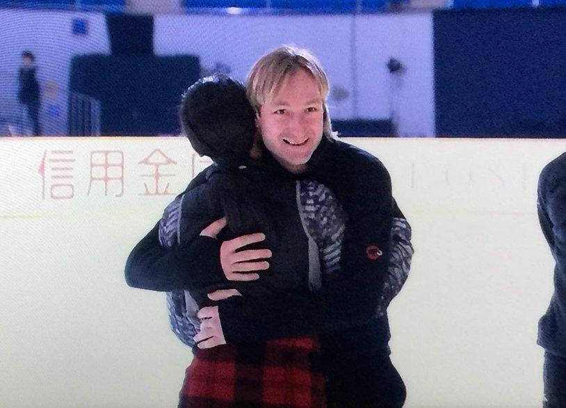 """Lilyshenka On Twitter: """"「マオ、君は最高のスケーターだったよ、お疲れ様!」 ジェーニャが真央"""