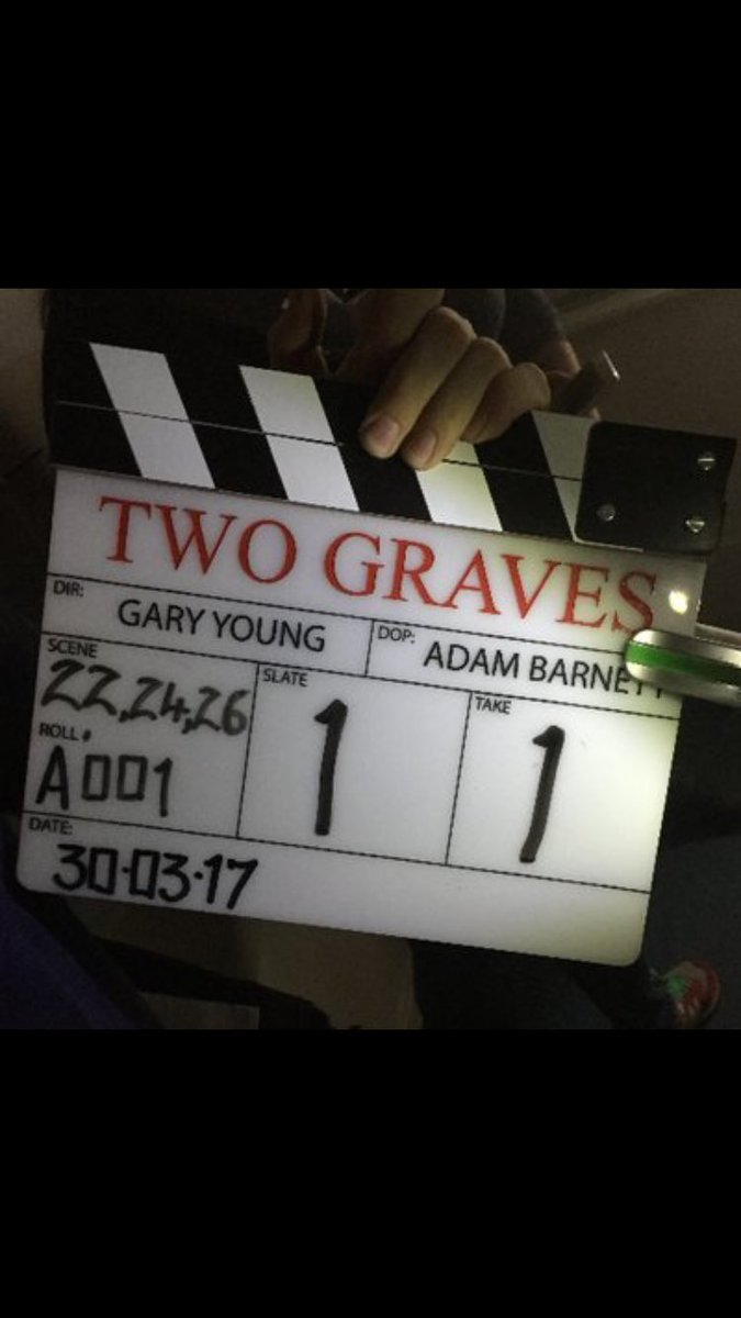 Well that's a wrap for me on @TwoGravesLtd a really cool shoot with great cast & crew  loved every minute guys, thank You  #RevengeThriller <br>http://pic.twitter.com/TqN1mdqRLR