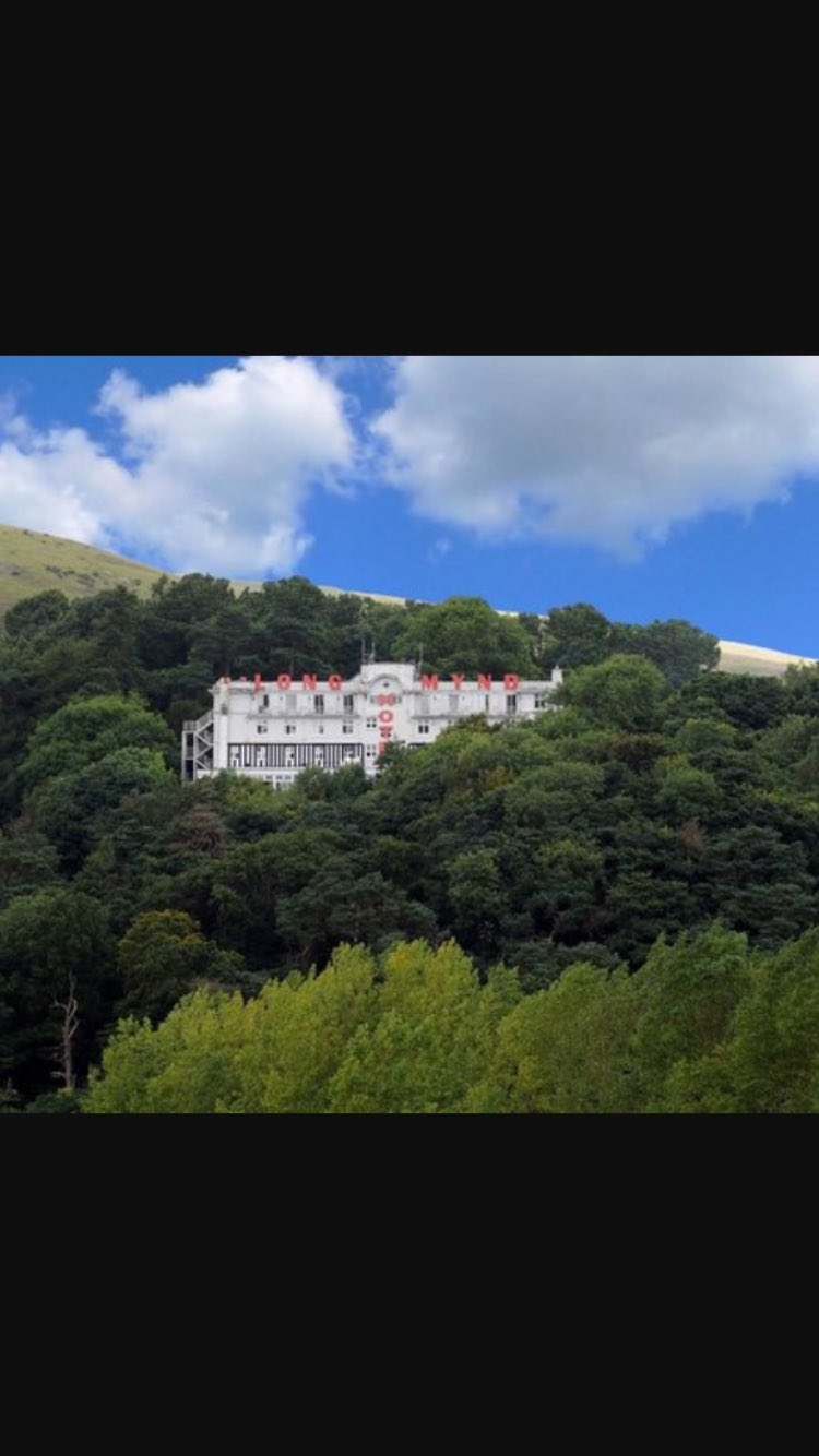So I'm on the train heading towards Crewe and I look out the window and up in the hills is Grand Budapest Hotel?! https://t.co/U4kOCM1Gtw