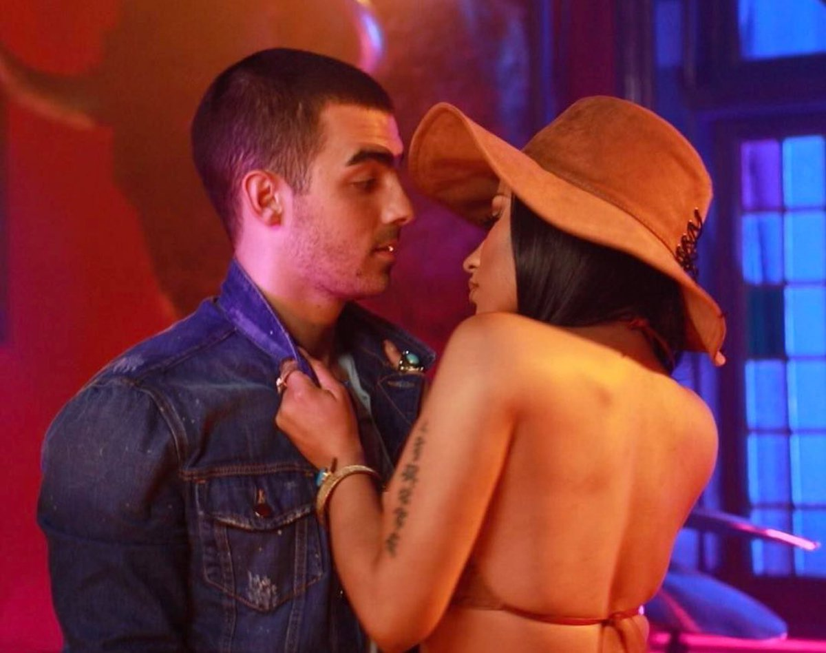 Nicki Minaj and Joe Jonas's Steamy Picture Has the Internet Freaking Out