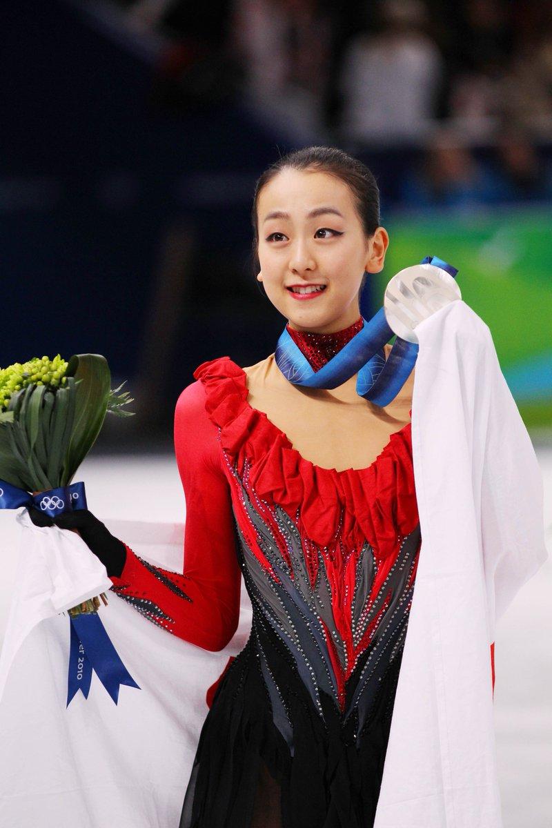 フィギュアスケートの浅田真央選手が現役引退を表明しました。浅田選手はバンクーバーオリンピックとソチオリンピックに出場しバンクーバーでは銀メダルを獲得。世界選手権で3度優勝するなど、輝かしい実績を残しました。https://t.co/q2swadPAZt  #フィギュアスケート