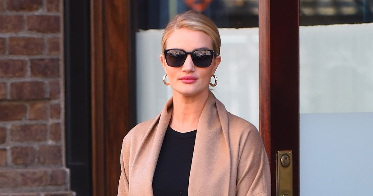 Rosie Huntington-Whiteley's latest off-duty look is a lesson in maternity style: https://t.co/Ukzz0Zny3u https://t.co/YuPOR67sa5