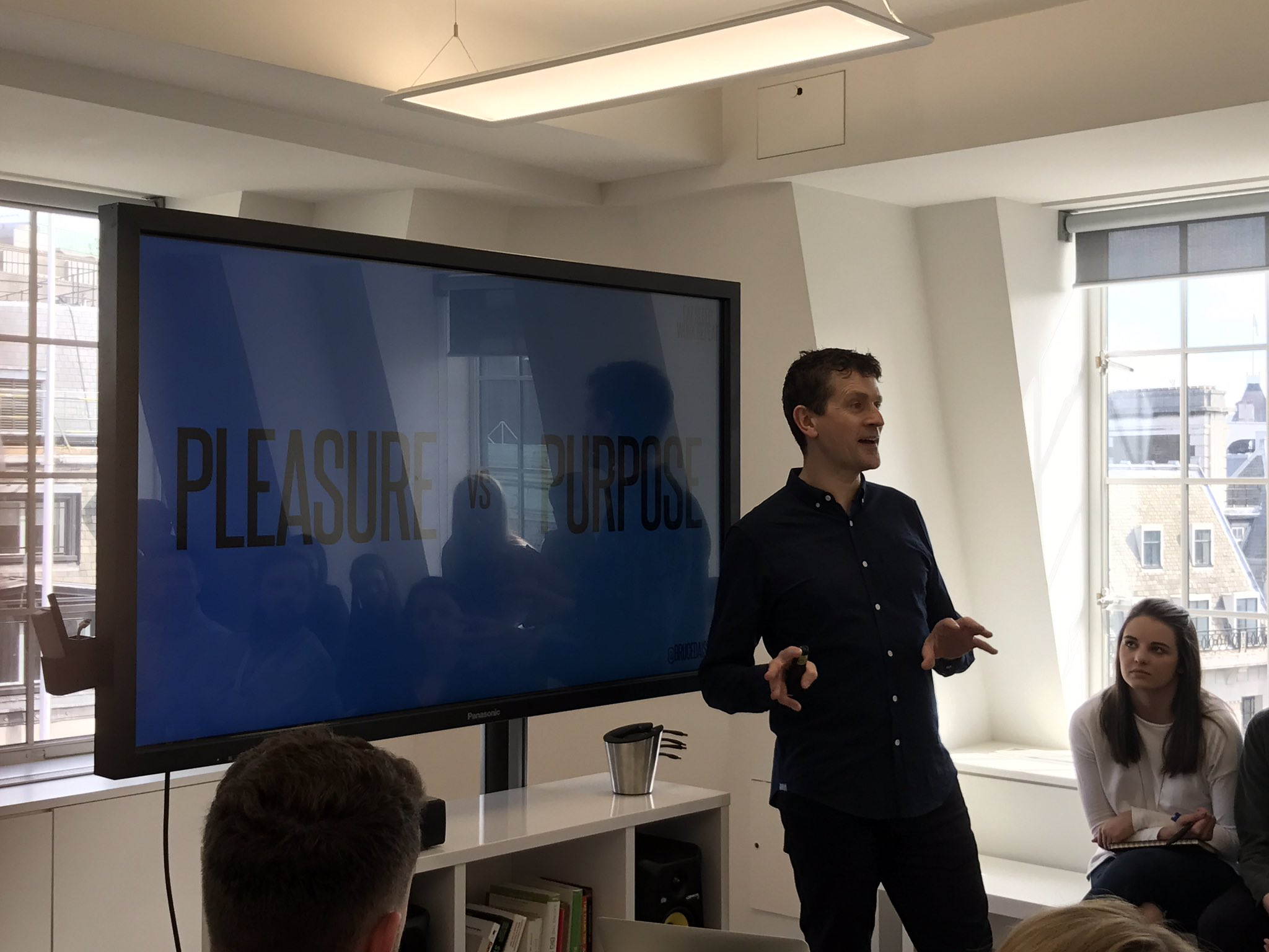 RT @mullinsarama: Fantastic chat from @brucedaisley about work and pleasure vs purpose. #pap  @the7stars https://t.co/iG0JZRFeDj