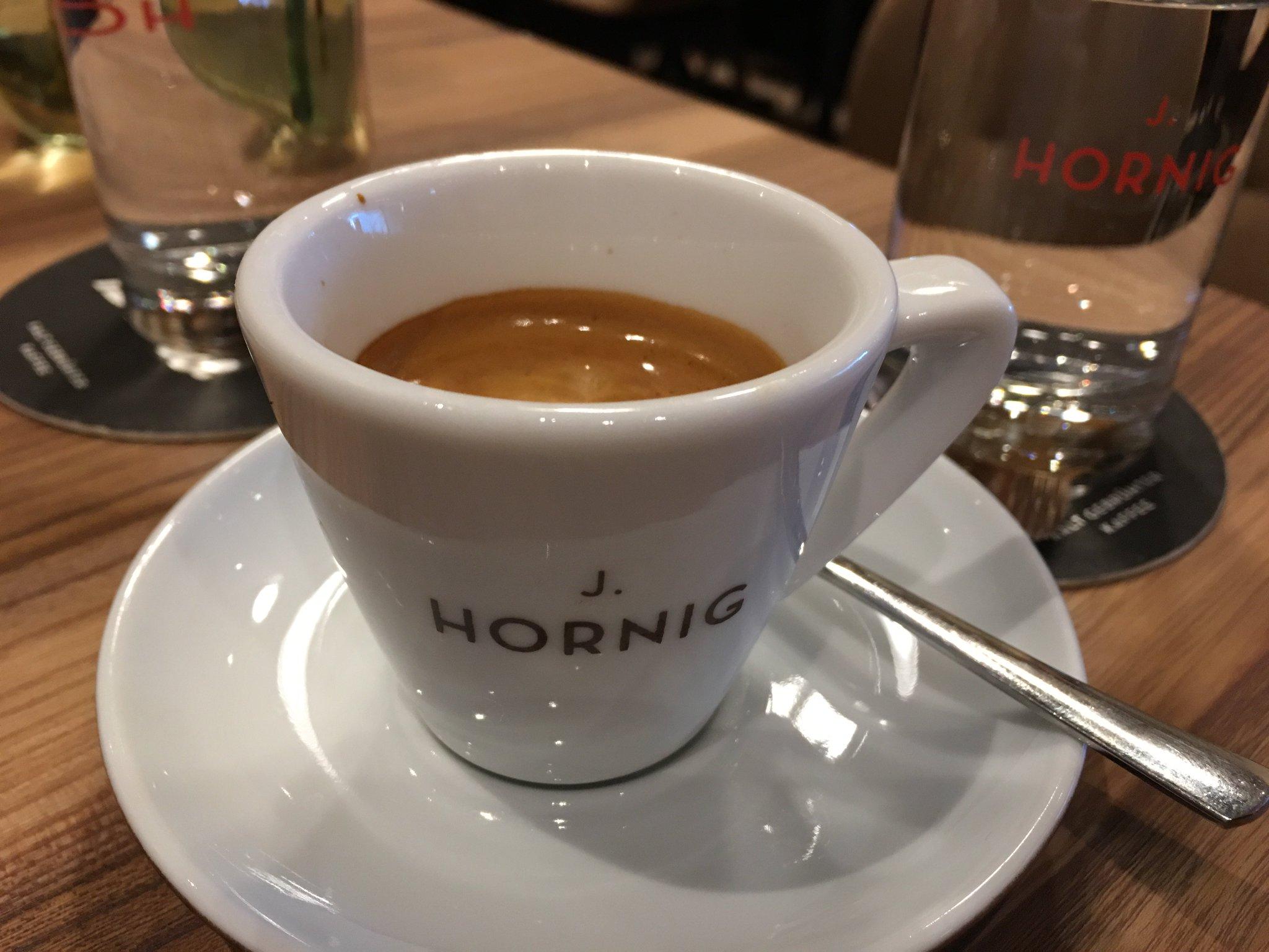 Kleine Pause. Seit langem mal wieder mit @hornigkaffee #meurers https://t.co/lmXaYiJkdl