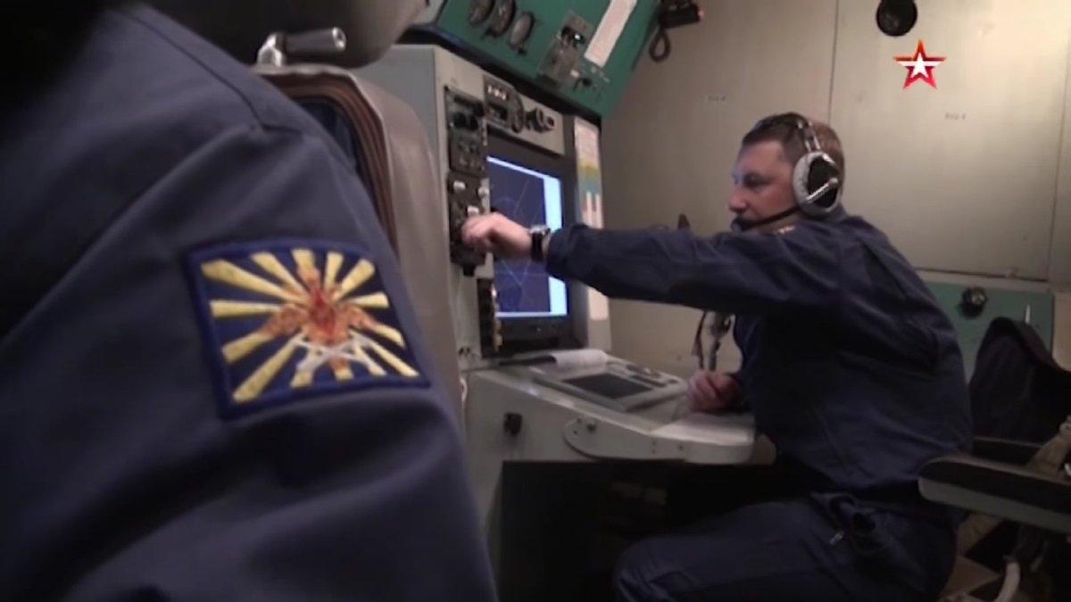 من داخل الأواكس الروسية الجديدة А-50У  C9HLoCIXsAAFFya