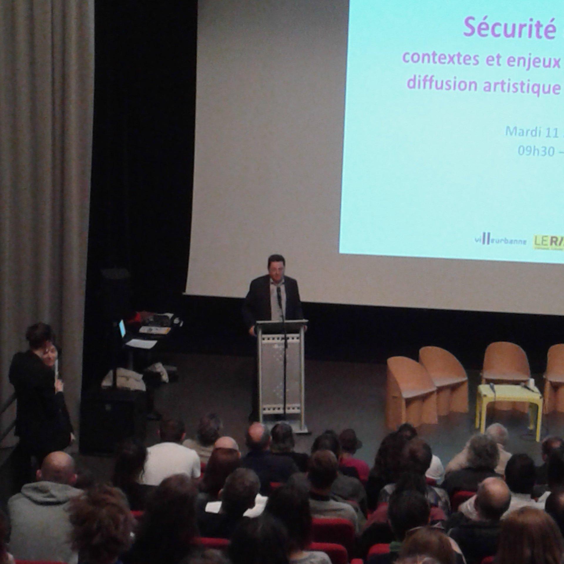 Mots d'ouverture de @JeanPaulBret , Maire de #villeurbanne . #sureteespacepublic https://t.co/NL8WFgxbD4