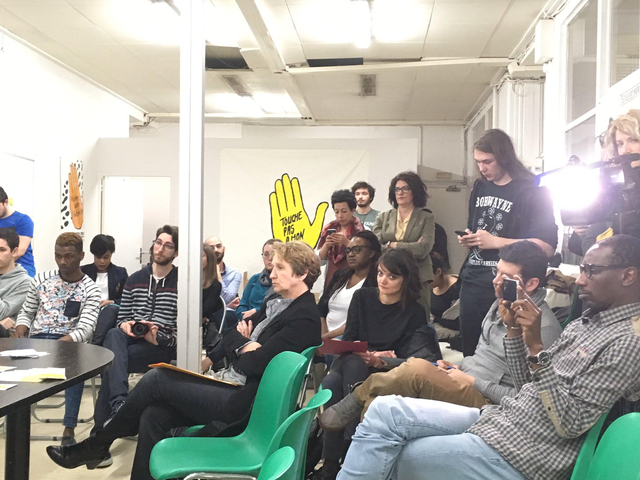 Plusieurs médias sont présents aujourd'hui au siège de l'association pour le lancement officiel de #Onestpareil #ConférenceDePresse https://t.co/oekRZEtHNT