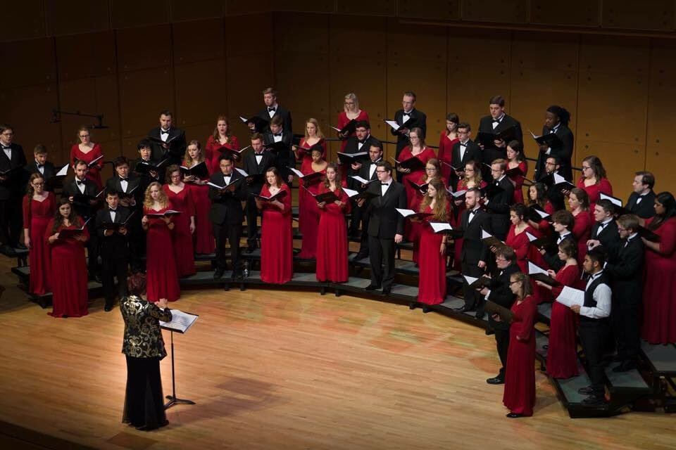 Who wouldn't make Illinois State their #1 choice with a choir as hot as this? @ILstateChoirs #redbirdsetgo https://t.co/Pqt0BpyOfP