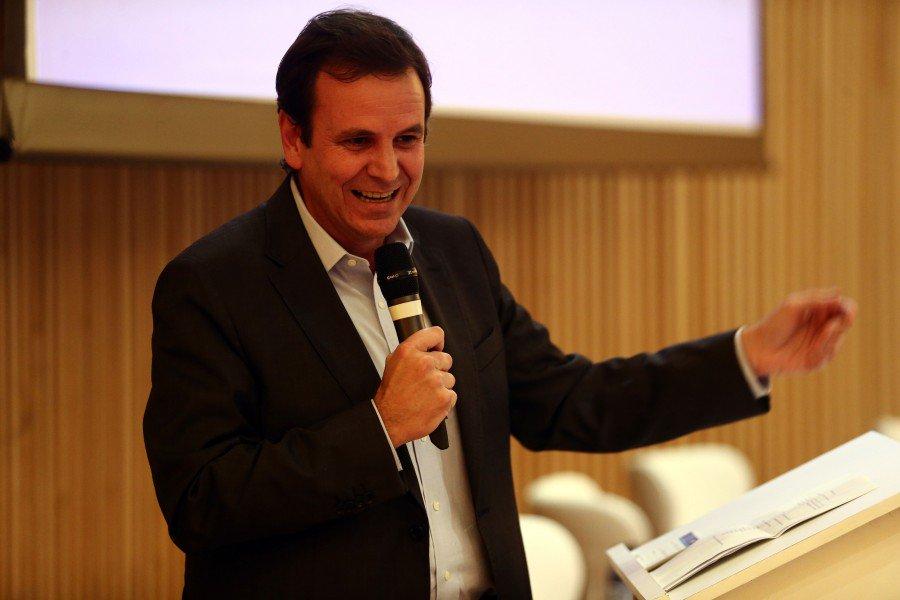 Eduardo 'Nervosinho' Paes levou R$ 15 mi em propina pela Olimpíada, diz Odebrecht https://t.co/WDQrCOfrjL https://t.co/4yUpobJlEx